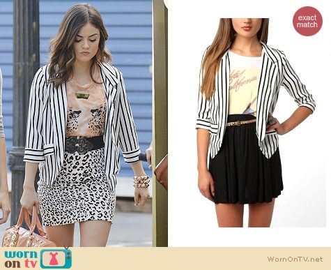Pretty Little Liars Fashion: Striped Urban Outfitters blazer worn by Lucy Hale