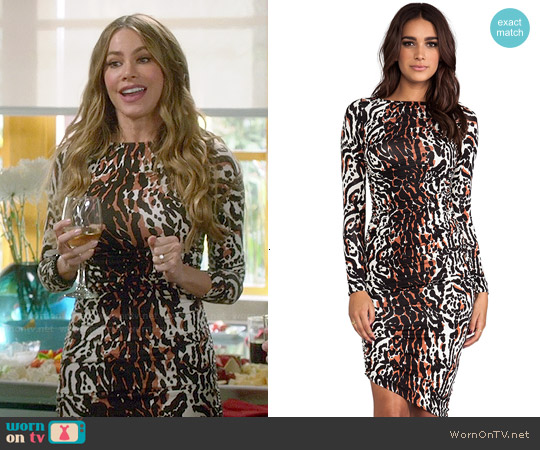 Rachel Pally Sage Dress in Wildcat worn by Sofia Vergara on Modern Family