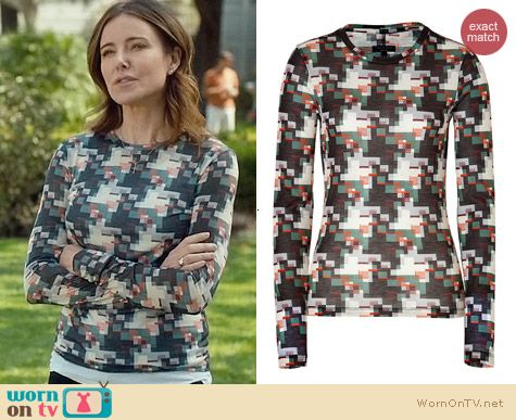 Rag & Bone Printed Long sleeve tee worn by Christa Miller on Cougar Town