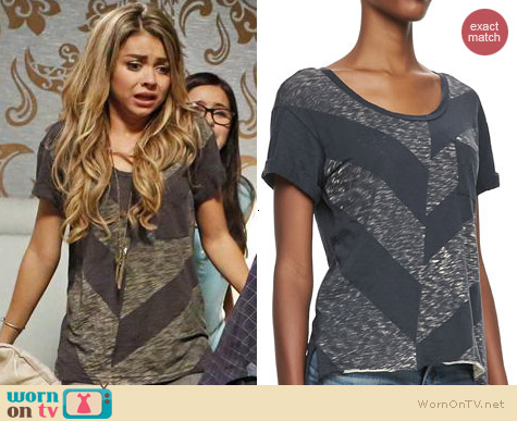 Rag & Bone Chevron Pocket Tee worn by Sarah Hyland on Modern Family