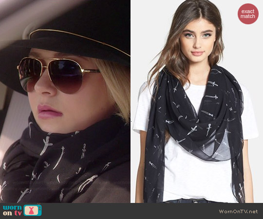 Rag & Bone Classic Dagger Scarf worn by Hayden Panettiere on Nashville