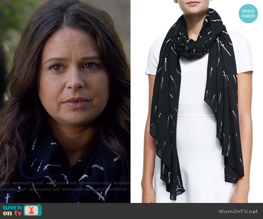 Rag & Bone Classic Dagger Scarf worn by Katie Lowes on Scandal
