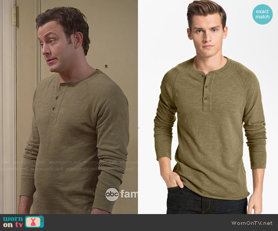 Rag & Bone Raglan Henley in Olive worn by Jonathan Sadowski on Young & Hungry
