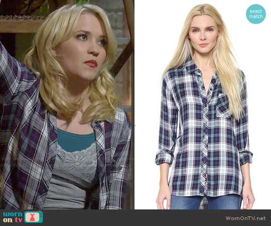 Rails Hunter Shirt in Jade/Navy worn by Emily Osment on Young & Hungry