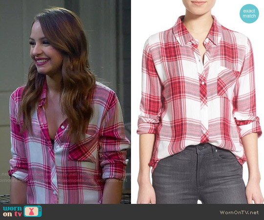 Rails Hunter Shirt in Raspberry / White worn by Aimee Carrero on Young & Hungry