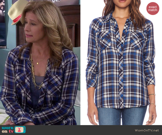 Rails Kendra Shirt in Navy/Sky/White worn by Nancy Travis on Last Man Standing