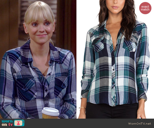Rails Kendra Shirt in Green/Navy worn by Anna Faris on Mom