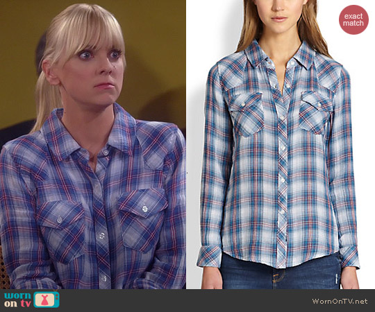 Rails Kendra Shirt in Malibu White worn by Anna Faris on Mom