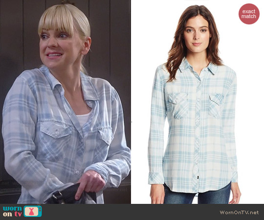 Rails Liam Vintage Wash Plaid Shirt worn by Anna Faris on Mom