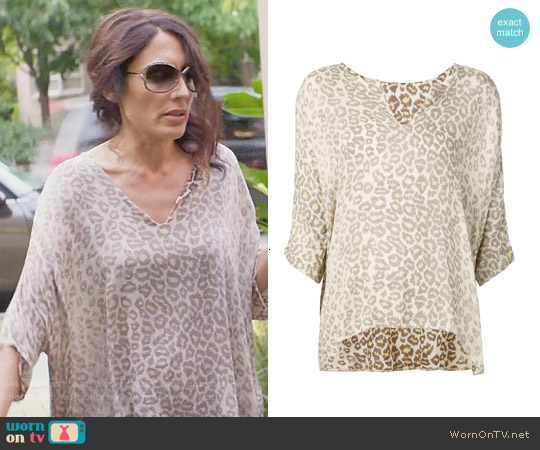 Raquel Allegra Leopard Print Blouse worn by Lisa Edelstein on GG2D