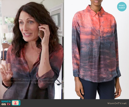 Raquel Allegra Tie Dye Shirt worn by Lisa Edelstein on GG2D