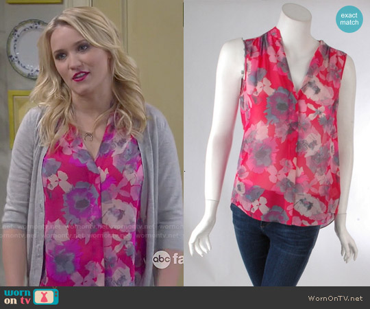 Rebecca Taylor Flower Press Top worn by Emily Osment on Young & Hungry