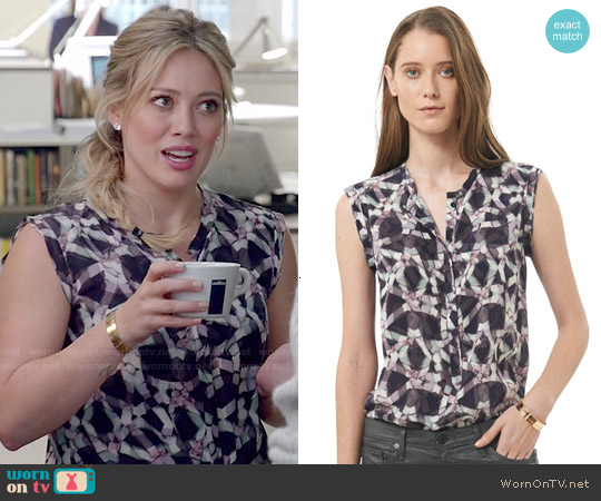 Rebecca Taylor Sleeveless Geo Print Henley worn by Hilary Duff on Younger