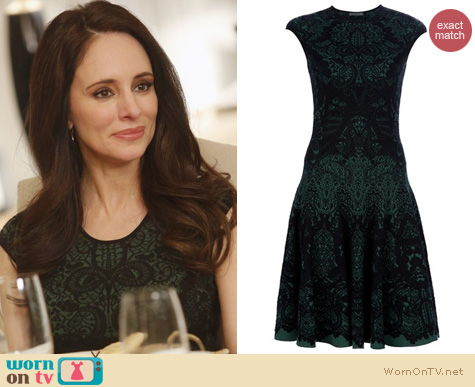 Wornontv Victoria S Green Patterned Dress On Revenge Madeleine Stowe Clothes And Wardrobe