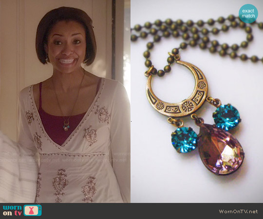 RewElliott Gatsby Style Crescent Necklace worn by Kat Graham on The Vampire Diaries