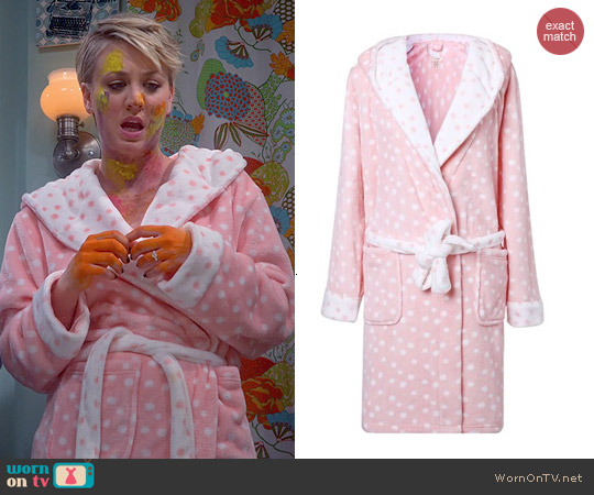 Richie House Plush Soft Robe in Peach worn by Kaley Cuoco on The Big Bang Theory