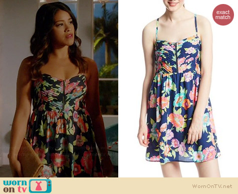 Roxy Shore Thing Dress in Estate Blue Tropical Floral worn by Gina Rodriguez on Jane the Virgin