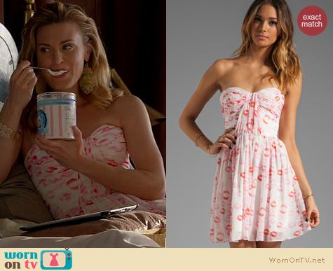 Royal Pains Fashion: Erin Fetherston Marianne Lipstick print dress worn by Brooke D'Orsay