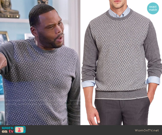 Saks Fifth Avenue Collection Triangle Cashmere Sweater worn by Anthony Anderson on Blackish