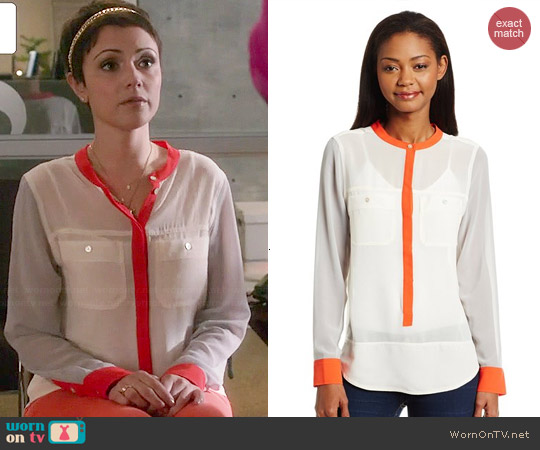 Sanctuary Colorblock Cafe Blouse worn by Italia Ricci on Chasing Life