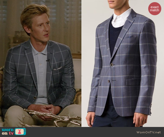Sand Star Ep Blazer worn by Gabriel Mann on Revenge
