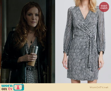 Fashion of Scandal: Diane von Furstenberg Sigourney Tweed Dash Black Dress worn by Darby Stanchfield