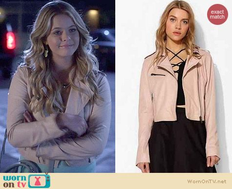 Silence + Noise Pinky Cropped Leather Moto Jacket worn by Sasha Pieterse on PLL