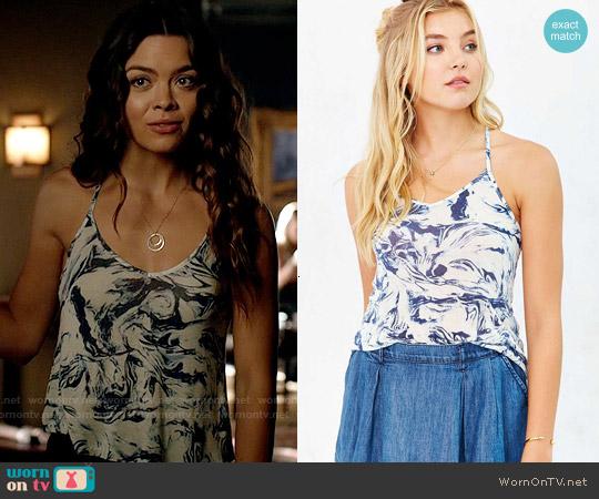 worn by Nora (Scarlett Byrne) on The Vampire Diaries