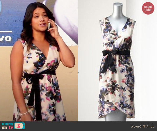 Simply Vera Vera Wang Floral Surplice Dress worn by Gina Rodriguez on Jane the Virgin