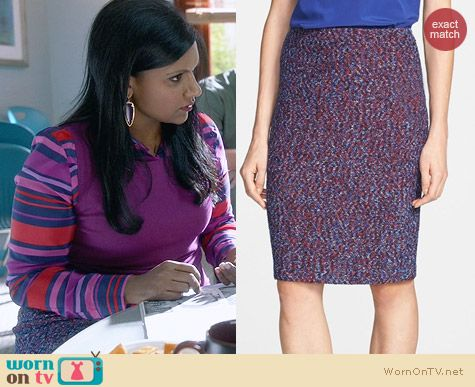 St John Looped Lash Tweed Knit Pencil Skirt worn by Mindy Kaling on The Mindy Project