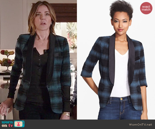 Smythe Plaid Smoking Jacket worn by Christa Miller on Cougar Town