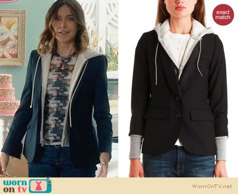 Smythe Reissue Schoolboy Blazer worn by Christa Miller on Cougar Town