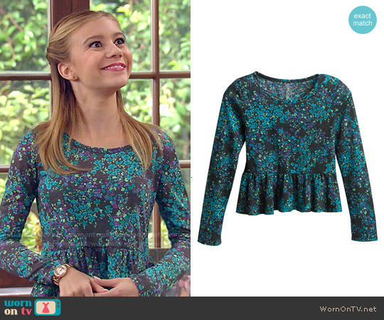 SO Floral Ruffle Babydoll Tee worn by G. Hannelius on Dog with a Blog
