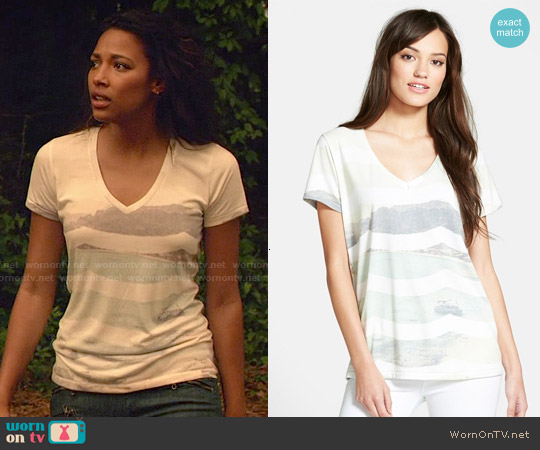 Sol Angeles Cove Wave V-neck Tee worn by Kylie Bunbury on Under the Dome