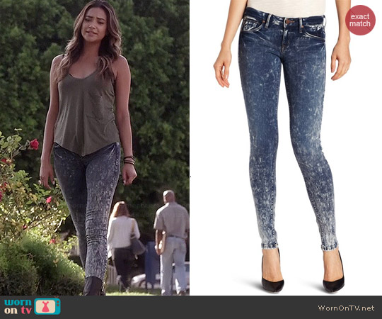 SOLD Design Lab Soho Skinny Jeans worn by Shay Mitchell on PLL