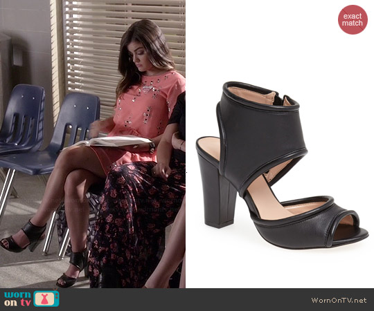 Sole Society Gayle Sandal worn by Lucy Hale on PLL