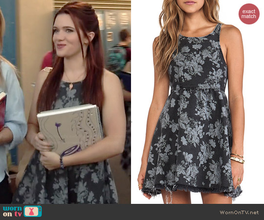 Some Days Lovin Showdown Floral Denim Mini Dress worn by Katie Stevens on Faking It