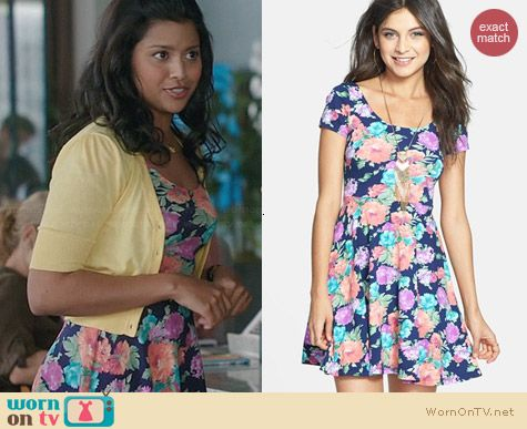 Soprano Chloe Scoopneck Skater Dress worn by Tiya Sircar on The Crazy Ones
