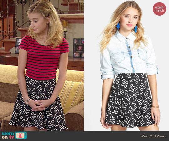 Soprano Textured Flower Print Skirt worn by G. Hannelius on Dog with a Blog