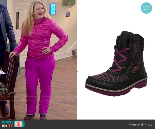 Sorel Tivoli II Boots worn by  Melanie Burke on Melissa & Joey