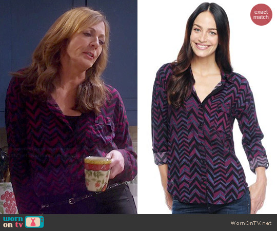 Splendid Aubergine Chevron Print Shirt worn by Allison Janney on Mom