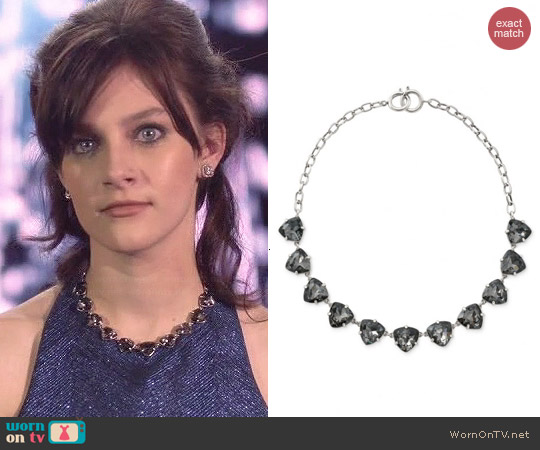 Stella & Dot Silver Somervell Necklace worn by Aubrey Peeples on Nashville