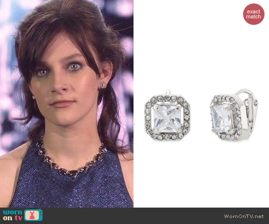 Stella & Dot Deco Clip Earrings worn by Layla Grant on Nashville