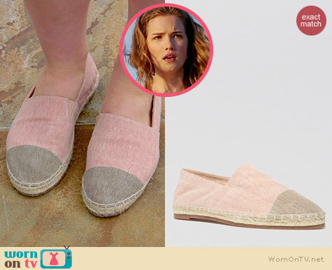 Steve Madden Ceciile Cap Toe Flats worn by Willa Fitzgerald on Royal Pains
