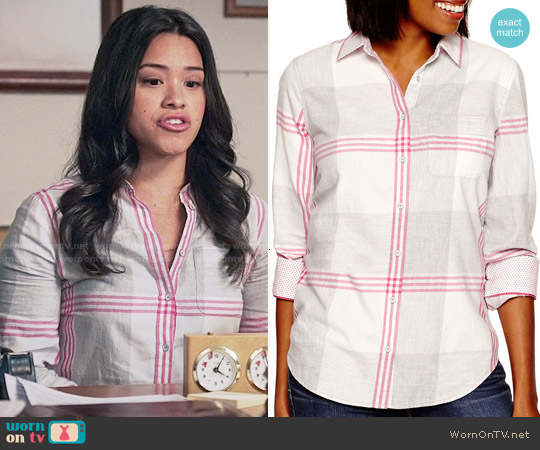 Stylus Long-Sleeve Brushed Twill Plaid Shirt in Cheerful Pink worn by Gina Rodriguez on Jane the Virgin