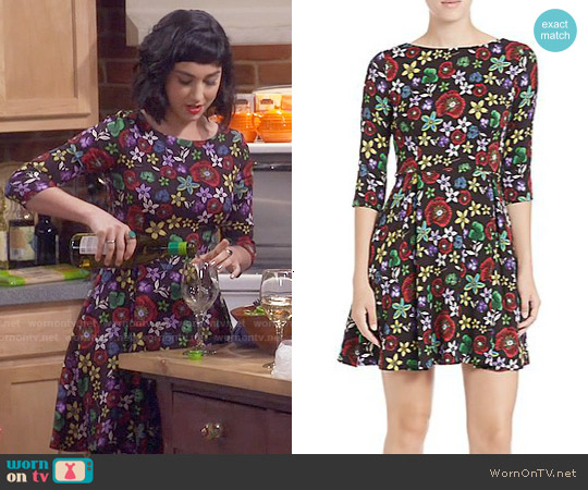 Suno Stretch-Silk Floral Fit-&-Flare Dress worn by  Molly Ephraim on Last Man Standing