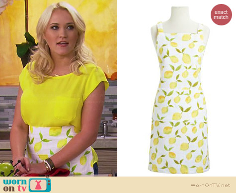 Sur La Table Lemon Apron worn by Emily Osment on Young & Hungry