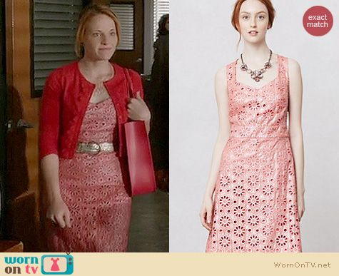 c17973186ed7 WornOnTV: Daphne's coral eyelet dress and red scalloped cardigan on ...
