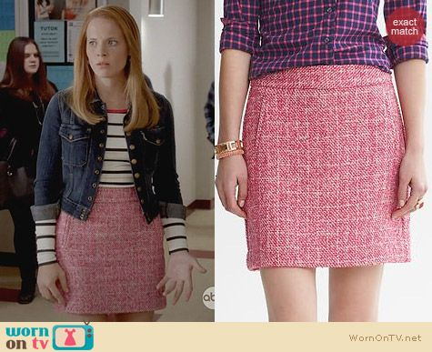 Switched at Birth Fashion: Banana Republic Pink Tweed Mini Skirt worn by Katie Leclerc