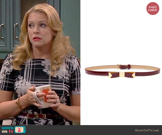 Ted Baker Bowsa Belt worn by Melissa Joan Hart on Melissa & Joey